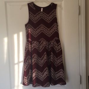 bea2d86d0695 NWT maroon   white textured dress with cutout